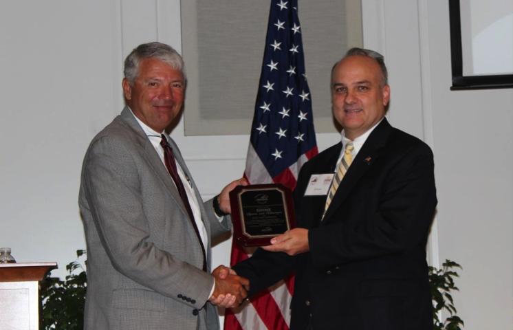 Joe Barto (left) and SHINE President Jeff Thomas (right)
